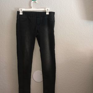 grey pair of jeans with a stretchy waist!